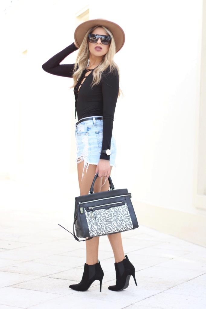 Black-Long-sleeved Bodysuit